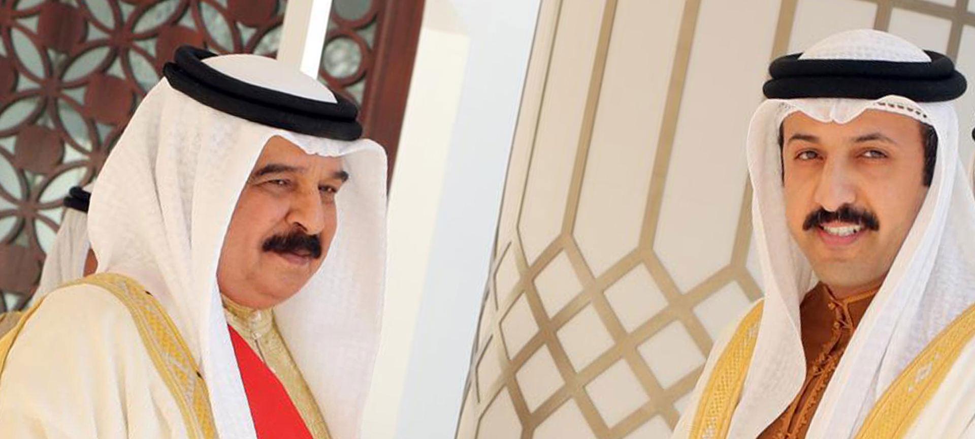 جلالة الملك يكرم رئيس دراسات بوسام الكفاءة